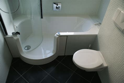 badewanne einbauen mit wannenträger barrierefreies badegef 252 hl