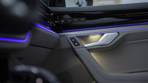 vw touareg  official interior released