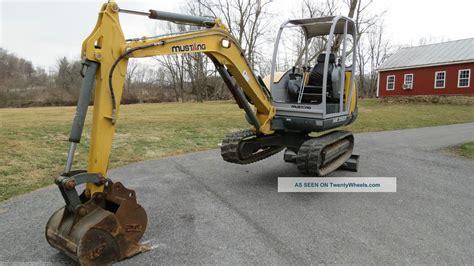mustang  excavator  hours excellent machine  speed