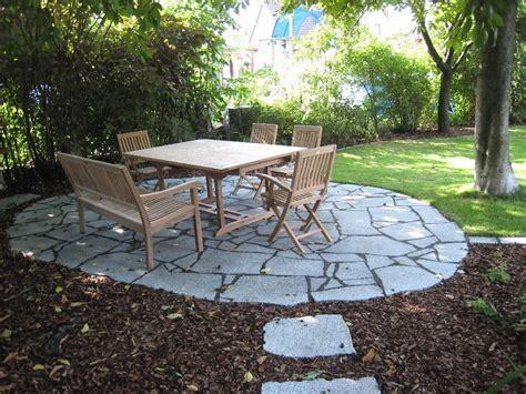 granitplatten garten sitzplatz aus granit polygonalplatten garden
