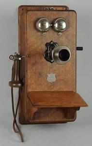 Telephone Mural Vintage : 25 best ideas about antique phone on pinterest telephone vintage telephone and french vintage ~ Teatrodelosmanantiales.com Idées de Décoration