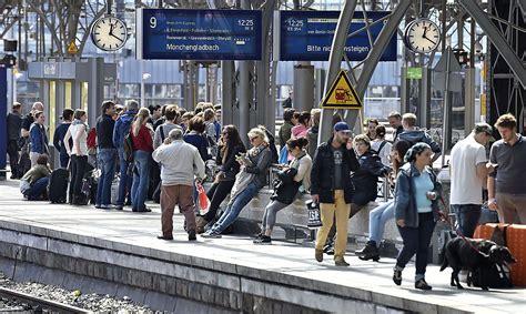 Experten rechnen mit dem härtesten bahnstreik aller zeiten. Am Mittwoch : Streik: Deutsche Bahn kündigt ...