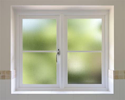 vitre opaque salle de bain amazing vitre opaque salle de bain 6 fen 234 tre opaque en pvc couleur bois pour salle de bain