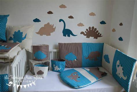 deco peinture chambre bebe garcon linge lit bébé et décoration dinosaure bleu pétrole canard