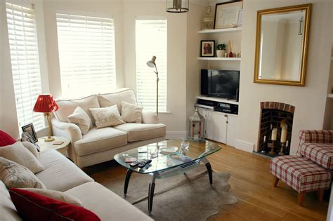 The Living Room Candidate What Makes An Effective Ad