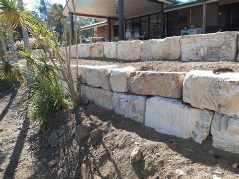 boulder retaining wall australian retaining walls sandstone boulder retaining walls australian retaining walls