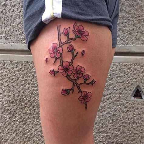tatuaggio fiore ciliegio fiore di ciliegio scopri significato storia e foto