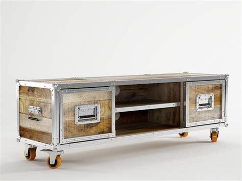 lowboard auf rollen roadie tv m 246 bel auf rollen by karpenter design hugues revuelta