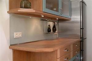 Kuchenwande fliesenspiegel wandverkleidung aus glas for Küchenwand spritzschutz
