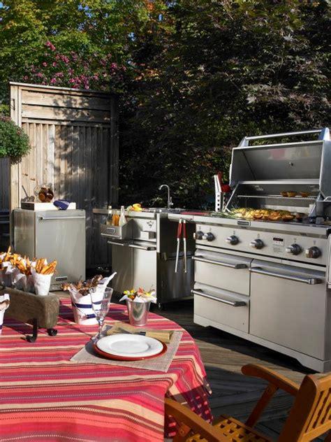 outdoor kitchens  sizzle hgtv