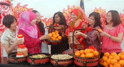 Rahim Wanita Turun Rumah Terbuka Tahun Baru Cina Pdc Meriah Buletin Mutiara