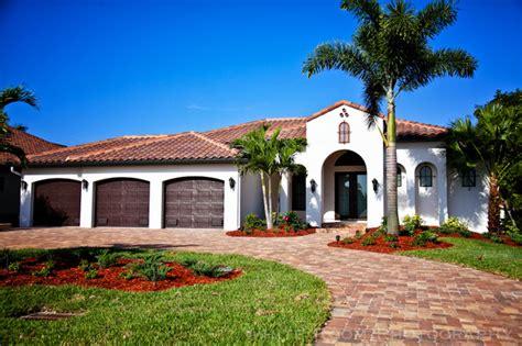 spanish style home modern exterior