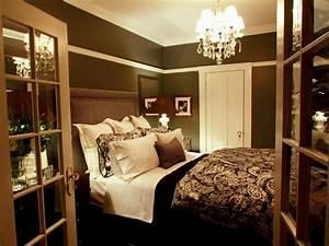 Decorating a tiny master bedroom diy small master bedroom for Small master bedroom ideas for decorating