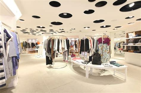 clothing shop best fashion clothing boutique store interior store layout