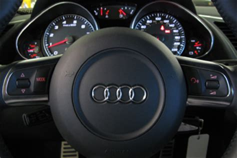 advances  steering wheel controls howstuffworks