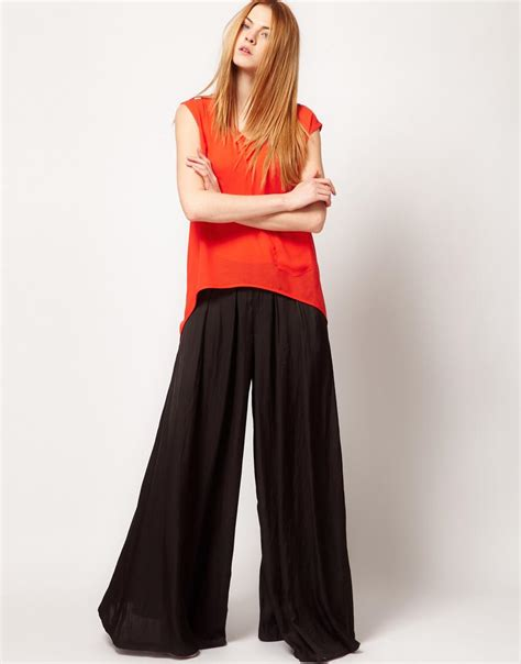 Wide Leg  Pretty Quirky Pants