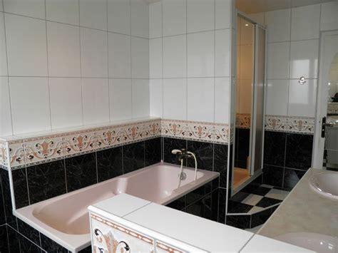 Salle De Bain Avec Douche,baignoire Wc Et Deux Vasques