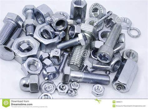 schrauben und dübel verschiedene muttern und schrauben stockbild bild verbindungselemente industrie 3889511