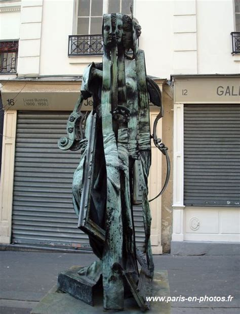 La Vénus Des Arts De Arman  Paris En Photos