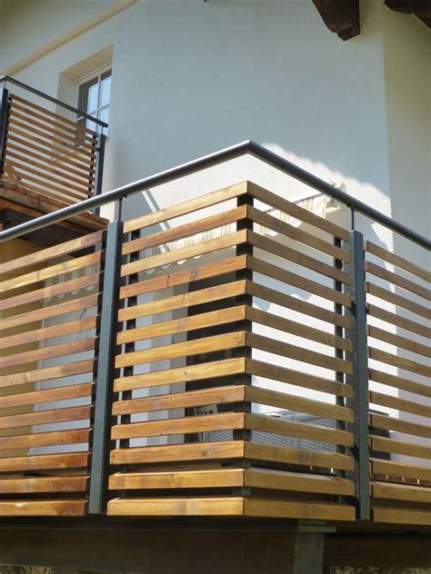 Treppengeländer Außen Holz by Balkongel 228 Nder Stahl Pulverbeschichtet Mit Holz
