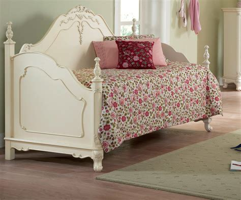 decorating unique  beautiful rare girls daybed