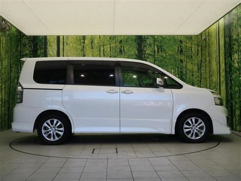 Review Toyota Voxy by 2011 Toyota Voxy Review Topcar Co Ke