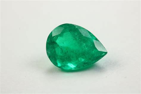 Very Dark 1.50 Cts Loose Pear Translucent Natural