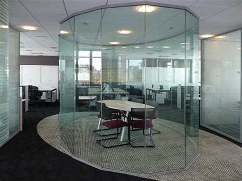 cloison bureaux aménagement bureaux professionnels cloison amovible
