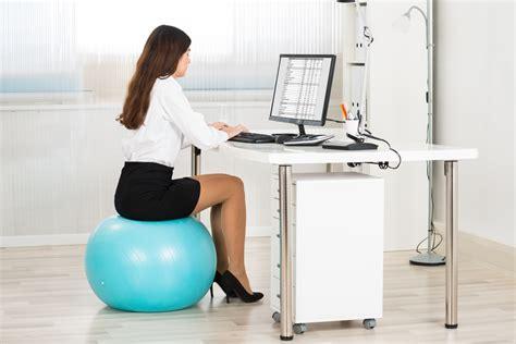 ballon chaise de bureau utilisation d 39 un ballon au travail pour et contre