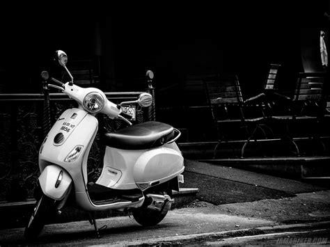 vespa lx hd wallpapers iamabiker  motorcycle