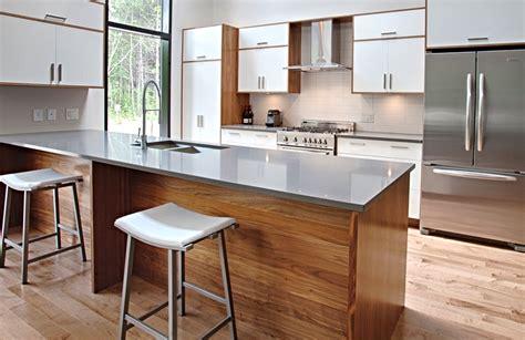 cuisine bois et blanc laqu impeccable cuisine noir gris et bois guirlande cuisine en