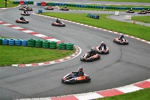 Piste De Karting : karting circuit de magny cours ~ Medecine-chirurgie-esthetiques.com Avis de Voitures