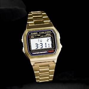 Montre Vintage Casio : montre casio doree vintage homme et femme produit neuf stock ancien boutique vintage ~ Maxctalentgroup.com Avis de Voitures