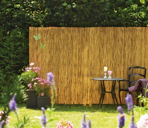 Sichtschutz Fuer Die Terrasse Aus Bambus Oder Aus Kunststoff by Sichtschutz Aus Naturmaterialien Sichtschutz Welt De