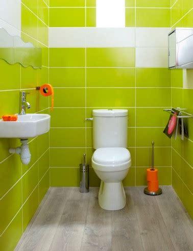 faillance pour cuisine déco wc faïence murale vert anis accessoires orange