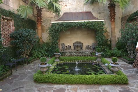 courtyard gardens a curious gardener southern courtyard gardens