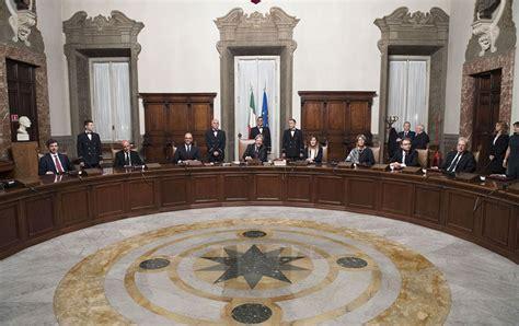 consiglio dei ministri ue il consiglio dei ministri scioglie i consigli comunali di