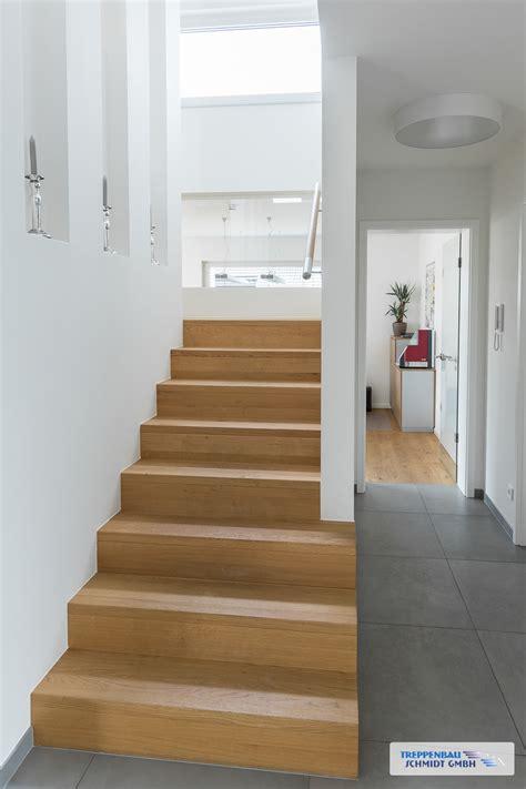 stufen auf beton sab  oder als aufgesattelte treppe