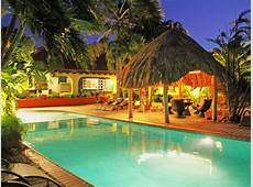 6BR Tropical Paradise, HUGE pool, Jacuzzi, VRBO