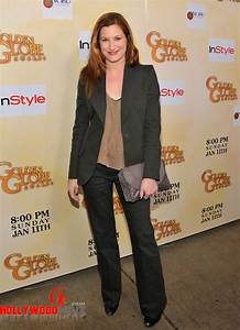 Kathryn Hahn Biography| Profile| Pictures| News