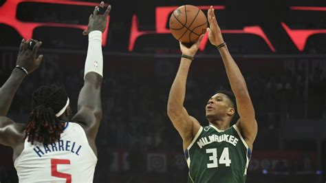 Clippers vs. Bucks Betting Picks & Odds: Can Milwaukee Win ...