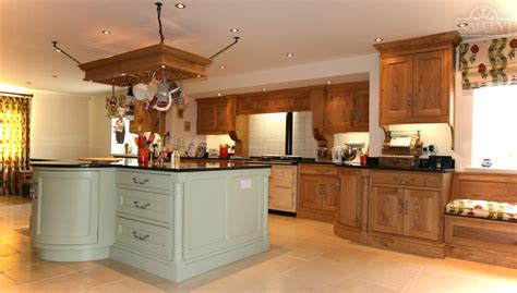 fitted kitchen design ideas bespoke fitted kitchens free standing kitchens salcey 7213