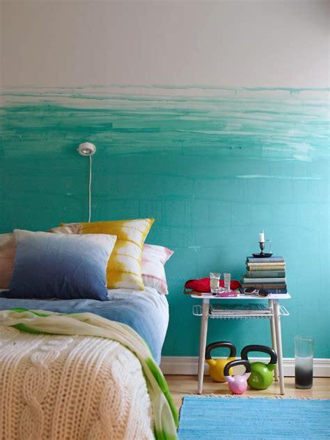 Zimmer Streichen Farbe by Wand Streichen In Farbpalette Der Wandfarbe Blau Freshouse
