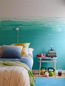 Schlafzimmer Streichen Farbe : wandfarbe blau schlafzimmer in hellblau streichen freshouse ~ Markanthonyermac.com Haus und Dekorationen