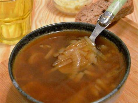 oignon blanc cuisine recettes de soupe à l 39 oignon et cuisine rapide