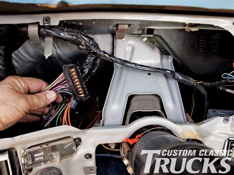 chevy  gmc truck dakota digital gauge