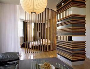 Raumteiler Wohnzimmer Schlafzimmer : holzlatten raumteiler inspiration f r runde raumtrennung ~ Michelbontemps.com Haus und Dekorationen