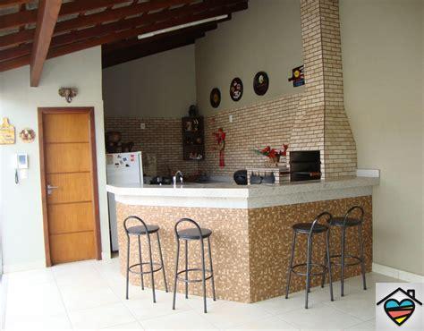 Linda área Gourmet Completa Com Forno E Fugão à Lenha E Churrasqueira Contato@queroumcanto.com