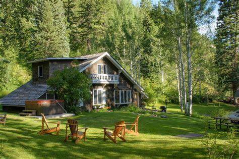 Gamekeeper's Cottage | Avalanche Ranch