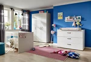Babybett Weiss Komplett : komplett babyzimmer dresden babybett wickelkommode kleiderschrank 3 tlg in wei matt ~ Indierocktalk.com Haus und Dekorationen